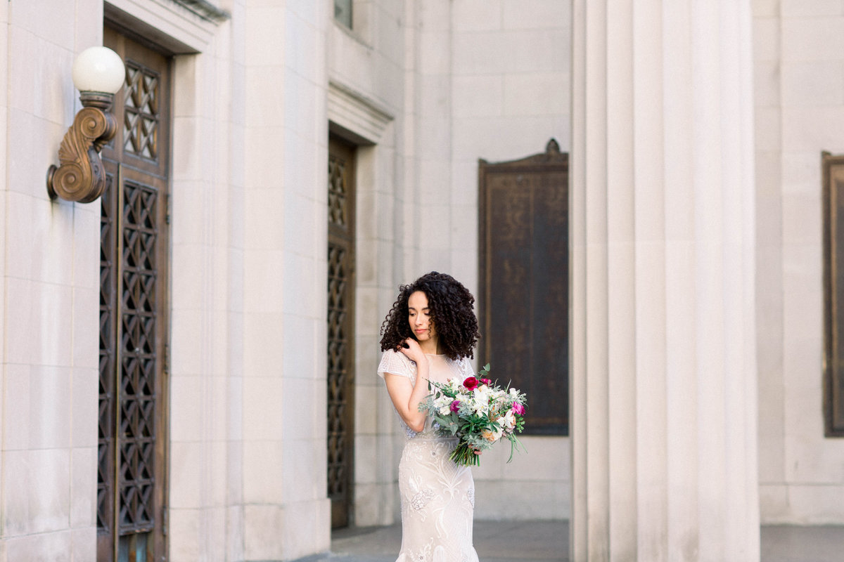 Raela is a wedding planner and designer in Nashville, TN with a love for fine art wedding design.