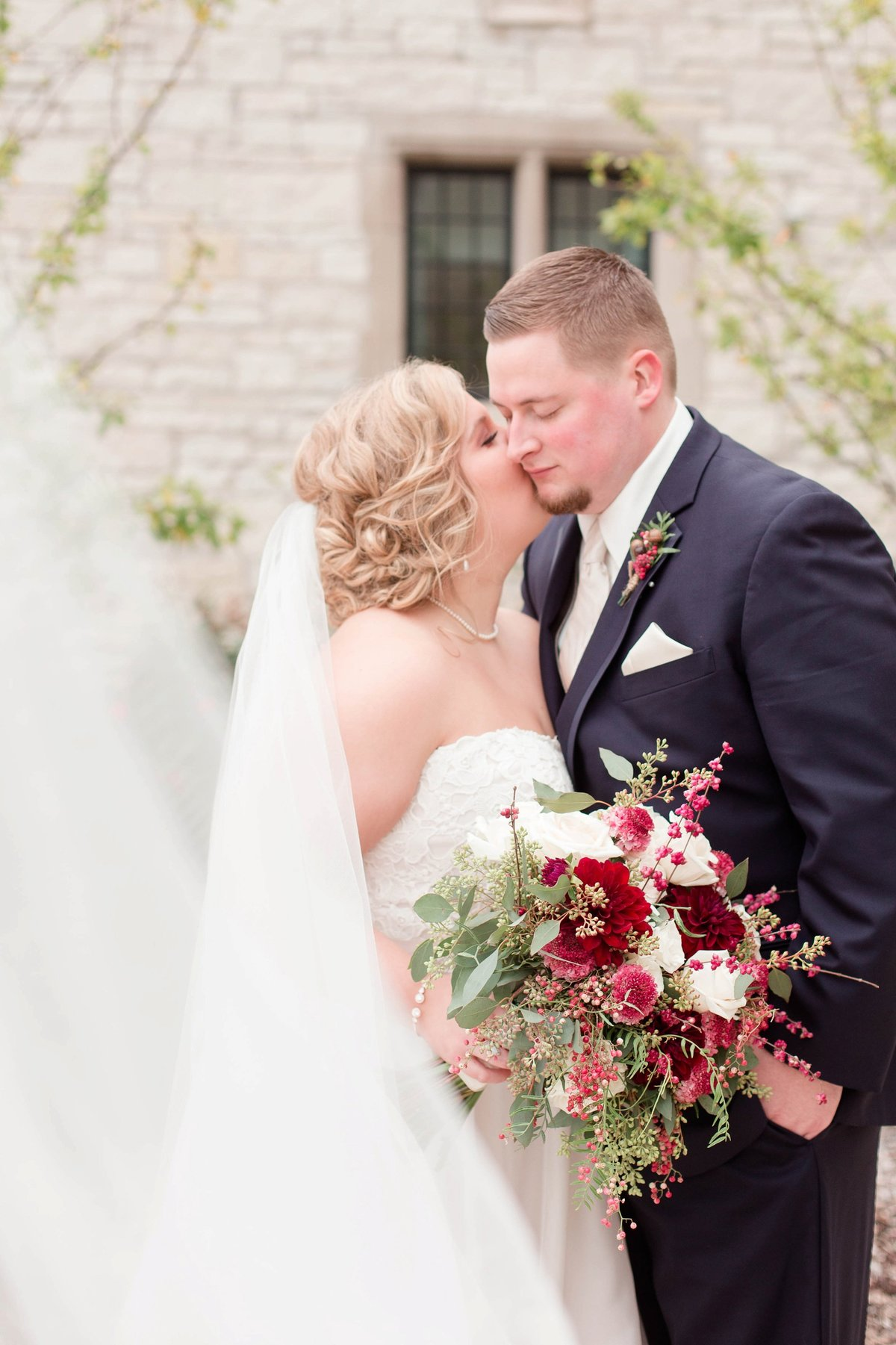 Burgundy and Rose Gold Fall Holland Garden Wedding with by Toledo and Detroit Based Wedding Photographers Kent & Stephanie Photography_1140