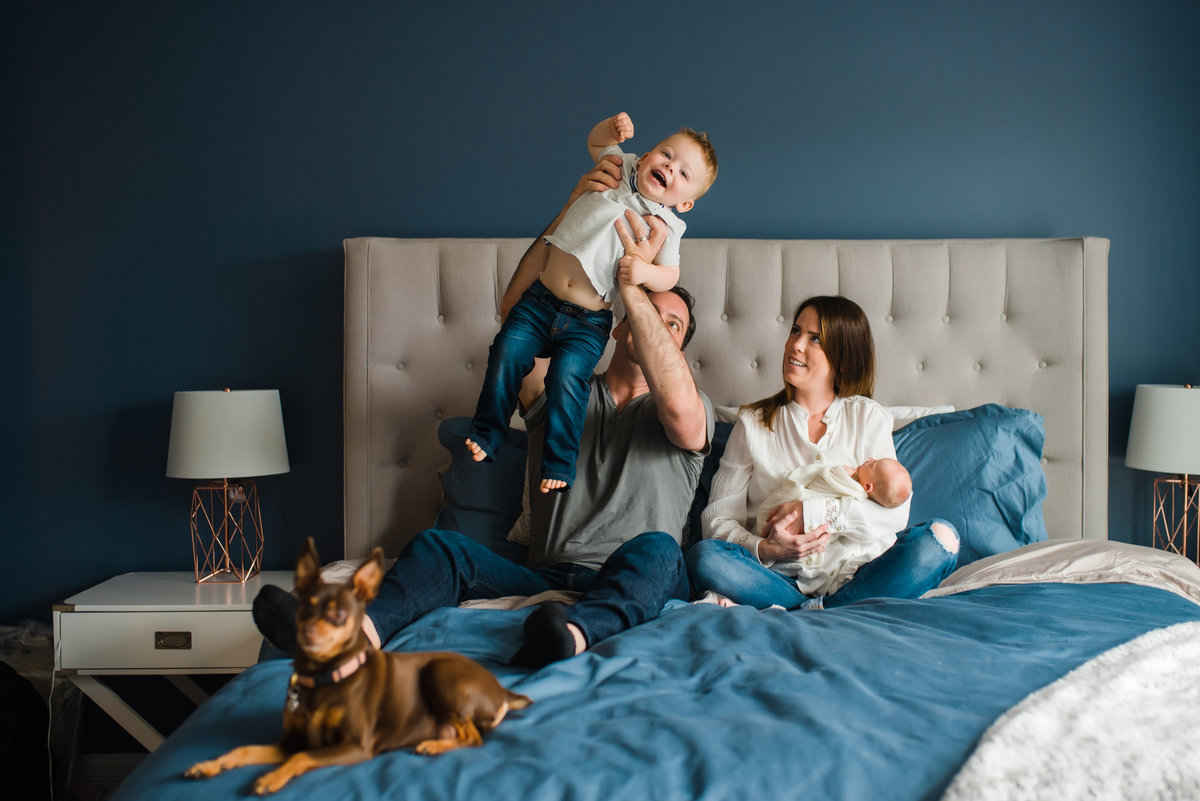 lifestyle newborn photographer-59