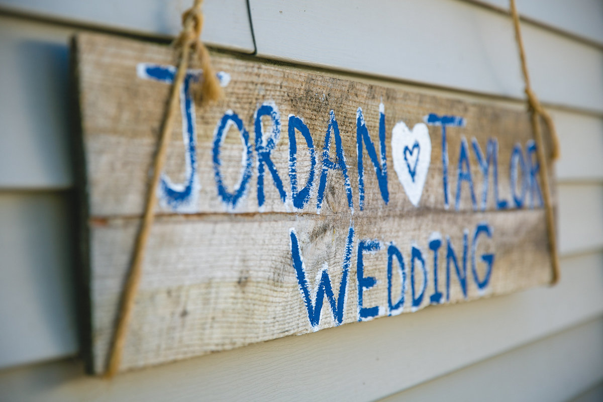 Jordan & Taylor's Outdoor Wisconsin Northwoods Wedding Photos by Amenson Studio-0057