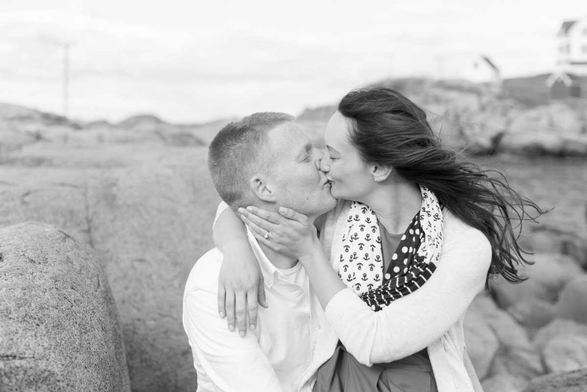 nubble lighthouse engagement photos in maine