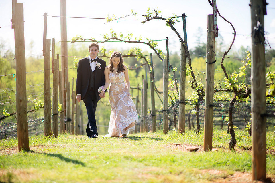 prom_photos_Performance_&_Event_Venue_Mineral_Bluff_Georgia_vineyard_gibbs_farm