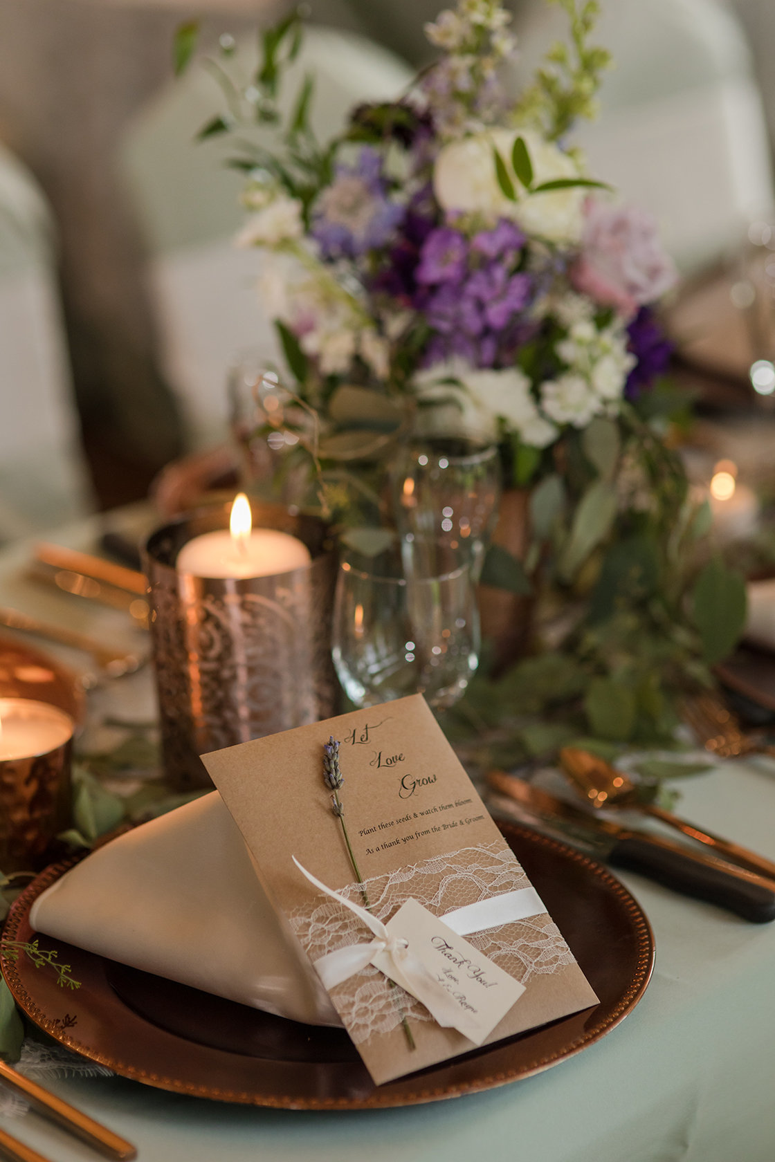 tablescape wedding with gift on plate
