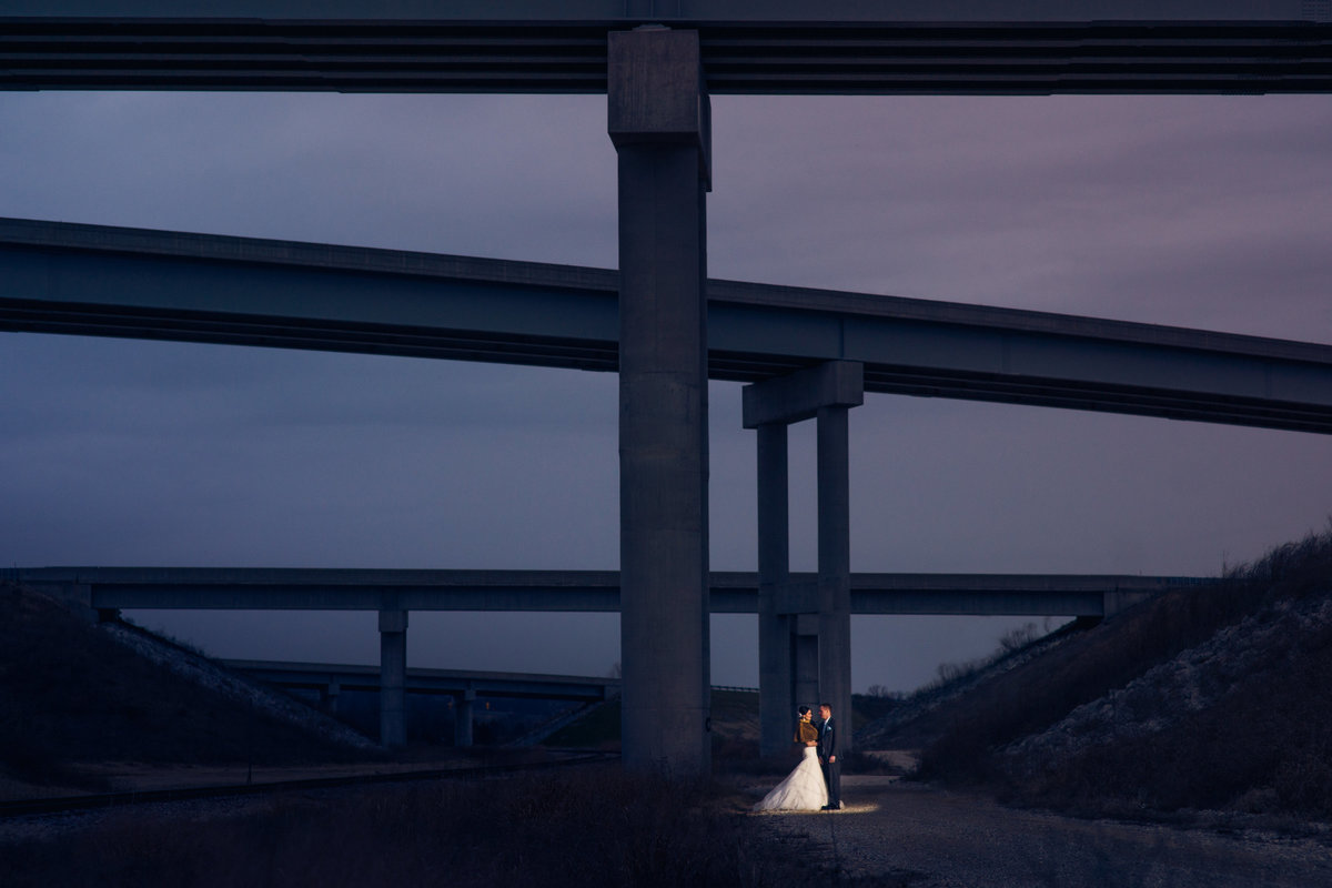 Vinson-Images-Fayetteville-Arkansas-NWA-Wedding-Photographer-bridge-light