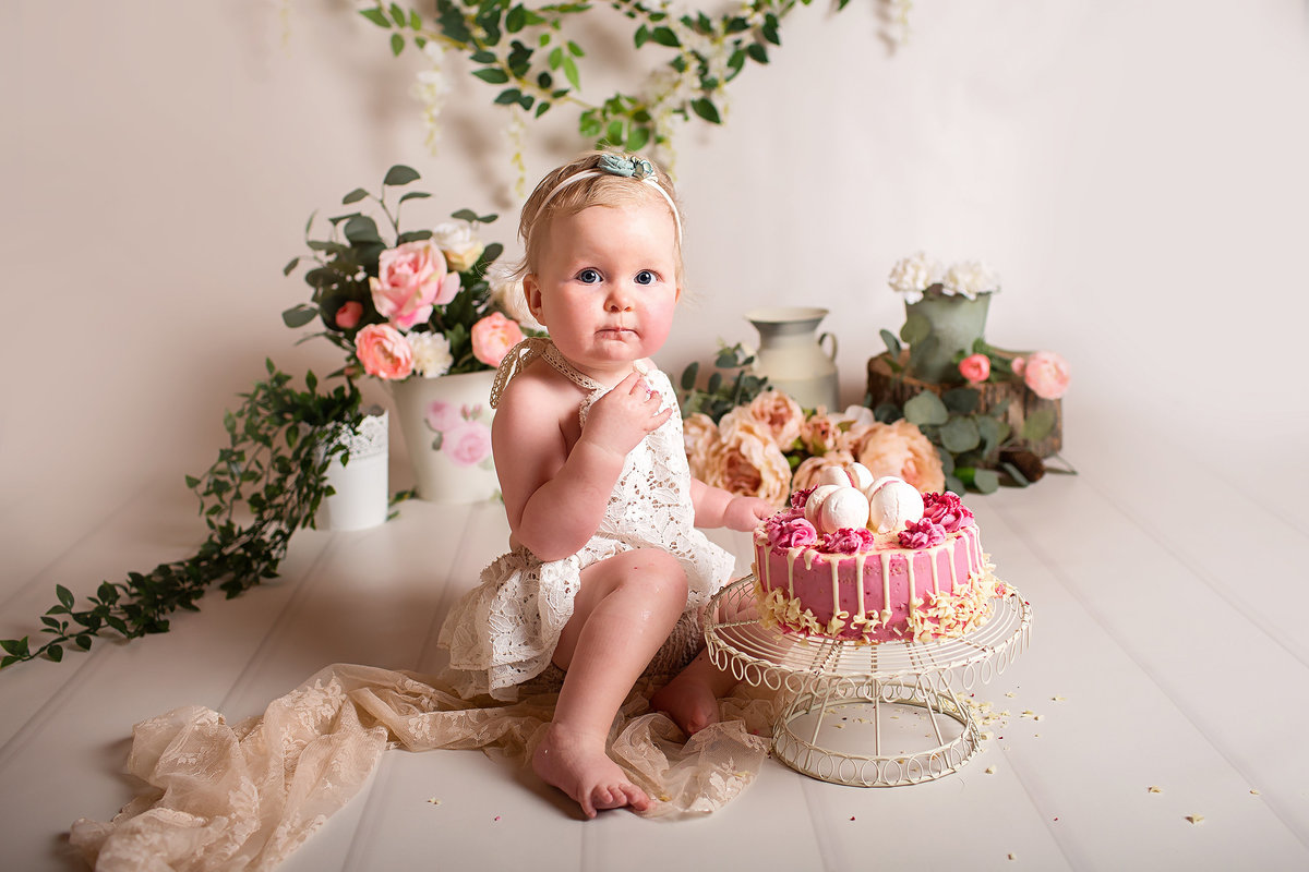 FERNDOWN BOURNEMOUTH CAKE SMASH PHOTOGRAPHY STUDIO 00027