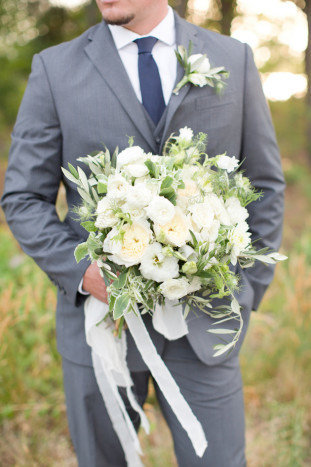 Elegant-Rustic-Wedding-Inspiration-Amy-Jordan-Photography-Bridal-Musings-Wedding-Blog-8-311x467
