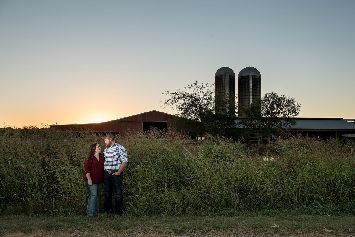 murfreesboro-engagement-photos-farm