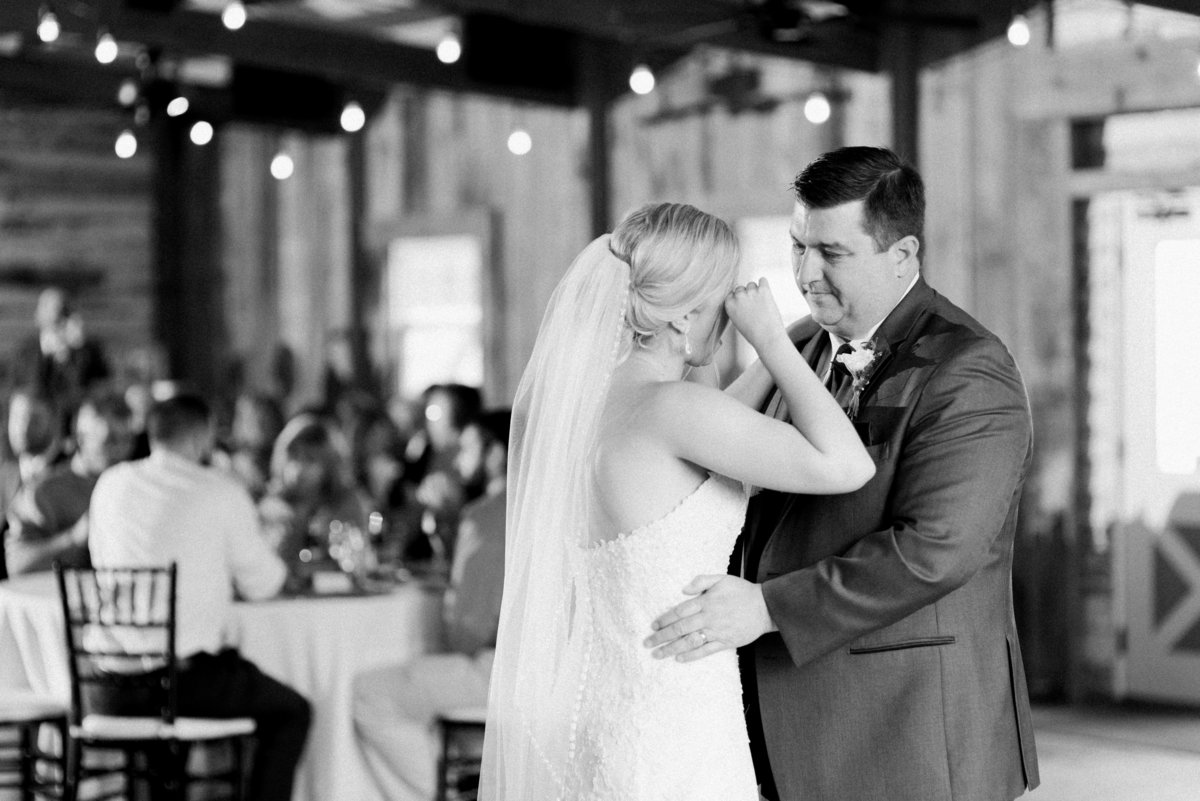 newkentinn-va-spring-wedding-photos-491