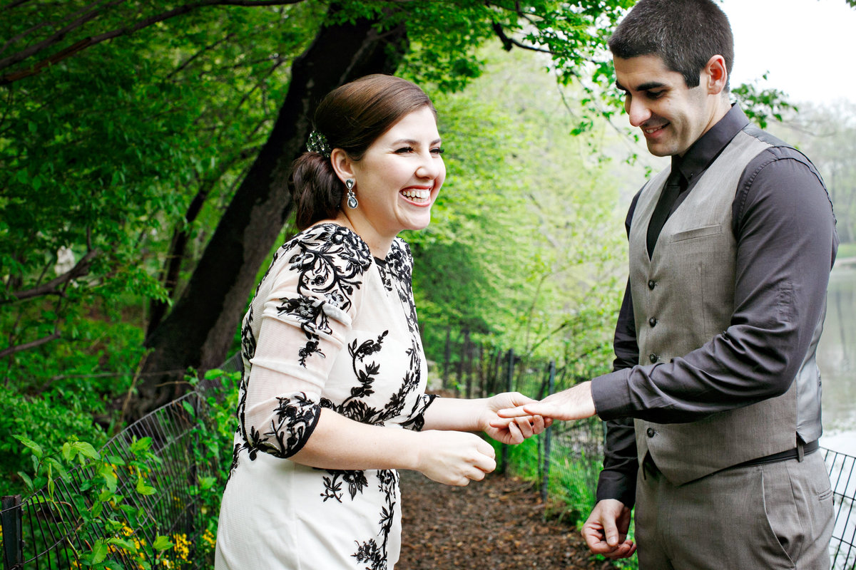 AmyAnaiz__Intimate_Elopement_Central_Park_Mantattan_New_York015