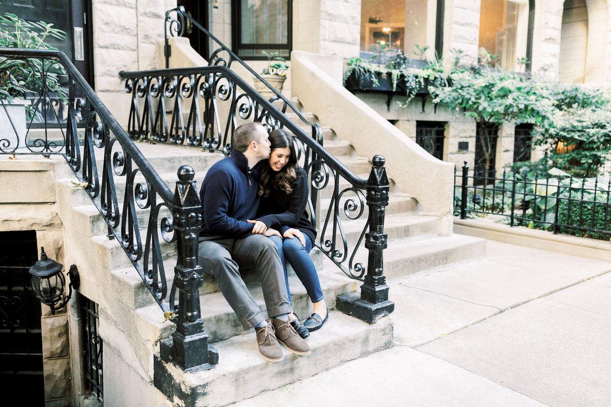 TiffaneyChildsPhotography-ChicagoWeddingPhotographer-Nicole+Christopher-WashingtonSquare&NorthAvenueEngagementSession-20
