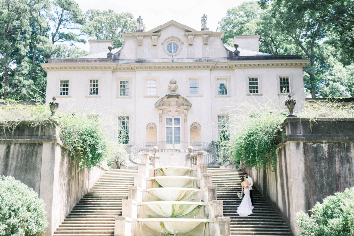 Raela is a Nashville wedding planner and designer telling love stories in Nashville, Charleston, and beyond. She has a heart for fine art details and  intentional event design.