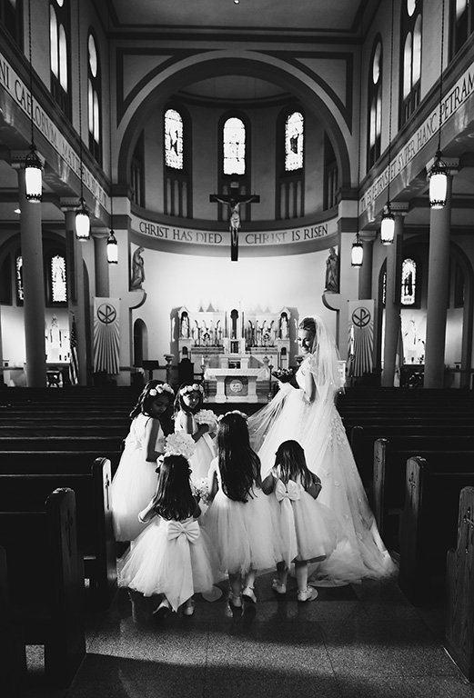 Washington-dc-black-white-flower-girls-catholic-wedding-photography