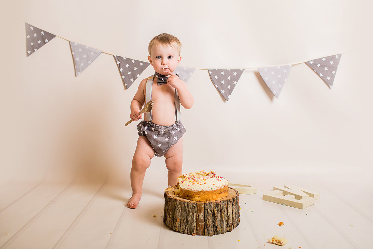 FERNDOWN CAKE SMASH PHOTOGRAPHY BOURNEMOUTH 12