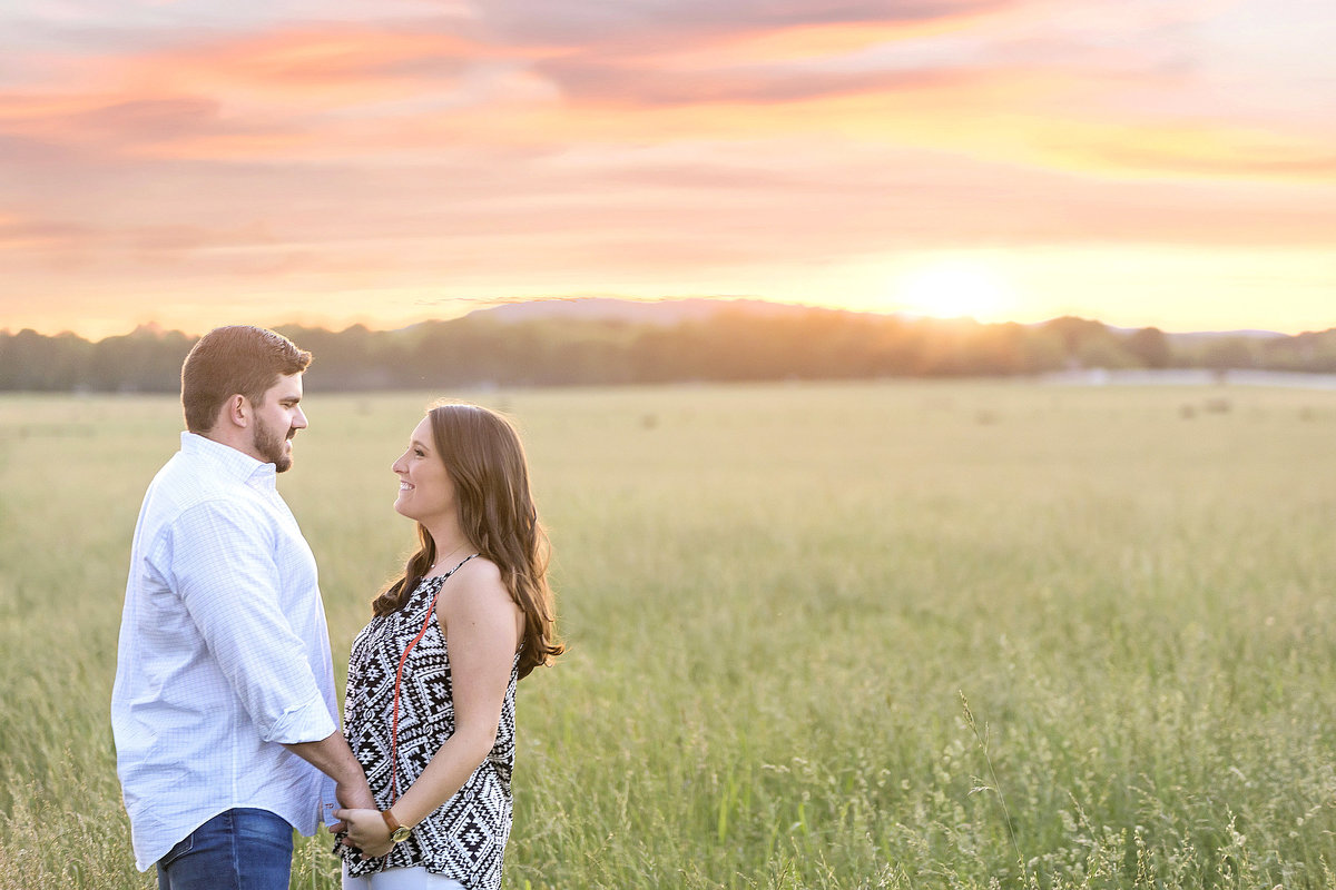 Nashville-engagement-photographer-field
