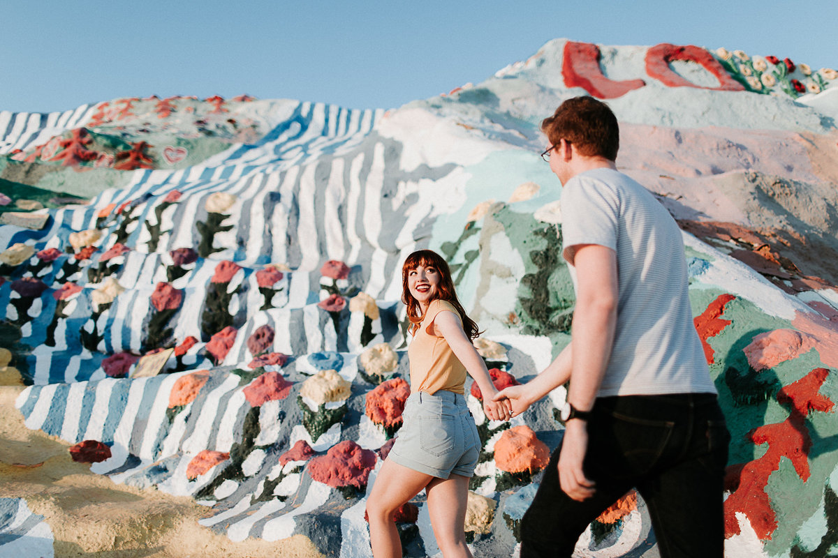 heathershanephoto_couplessession_salvationmountain-5078