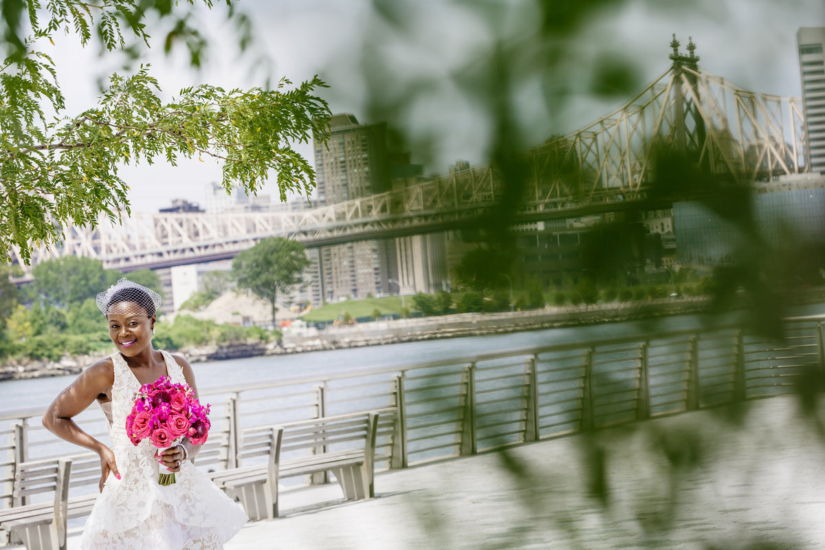 Gantry_Park_New_York_Elopement_Amy_Anaiz_035