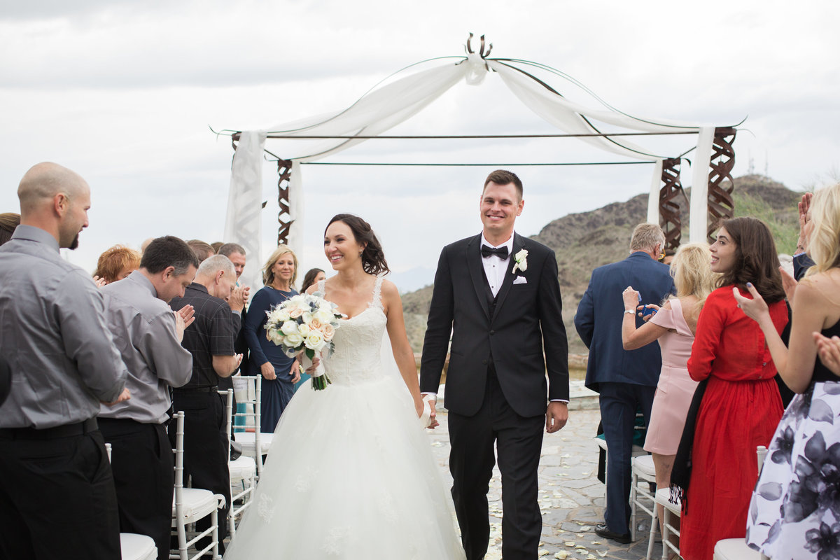 Keely_FJ_2152Tapatio_Cliff_Pointe_Hilton_Different_Pointe_Of_View_Wedding