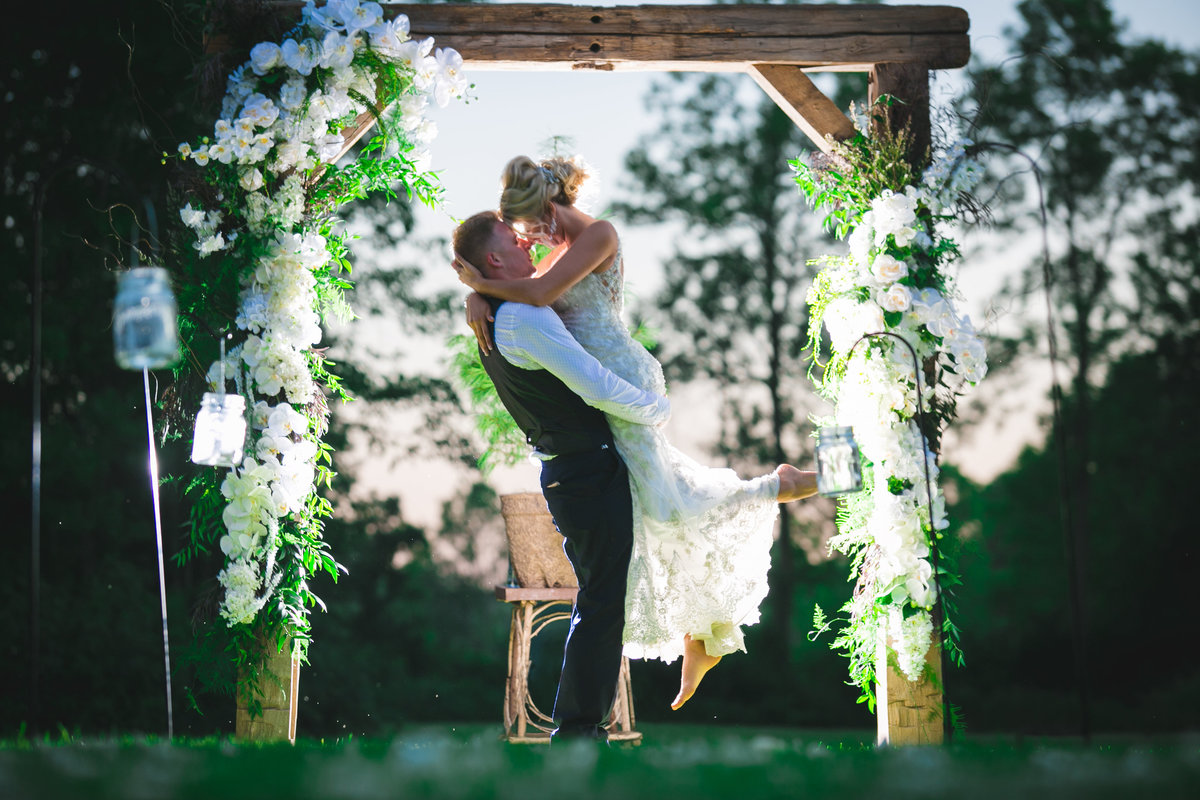 Jordan & Taylor's Outdoor Wisconsin Northwoods Wedding Photos by Amenson Studio-0242