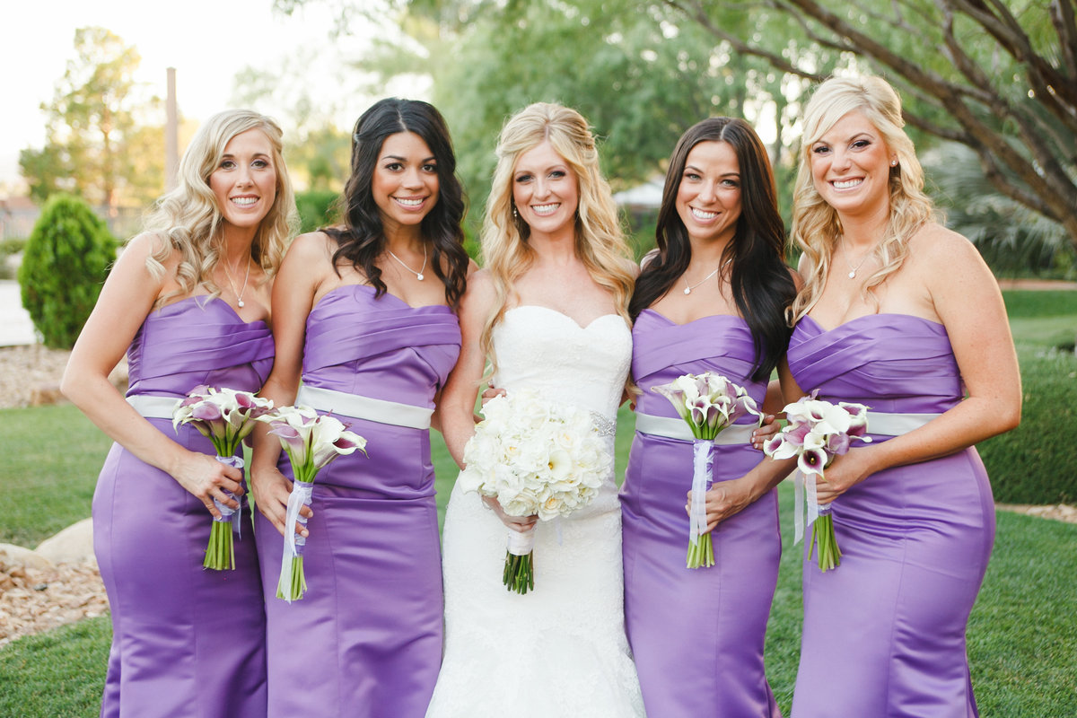 Sophisticated Oregon bride and bridesmaids in purple dresses | Susie Moreno Photography