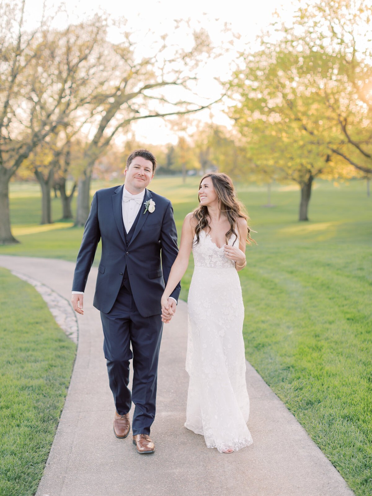 TiffaneyChildsPhotography-ChicagoWeddingPhotographer-Chloe+Jon-HinsdaleCountryClubWedding-BridalPortraits-104