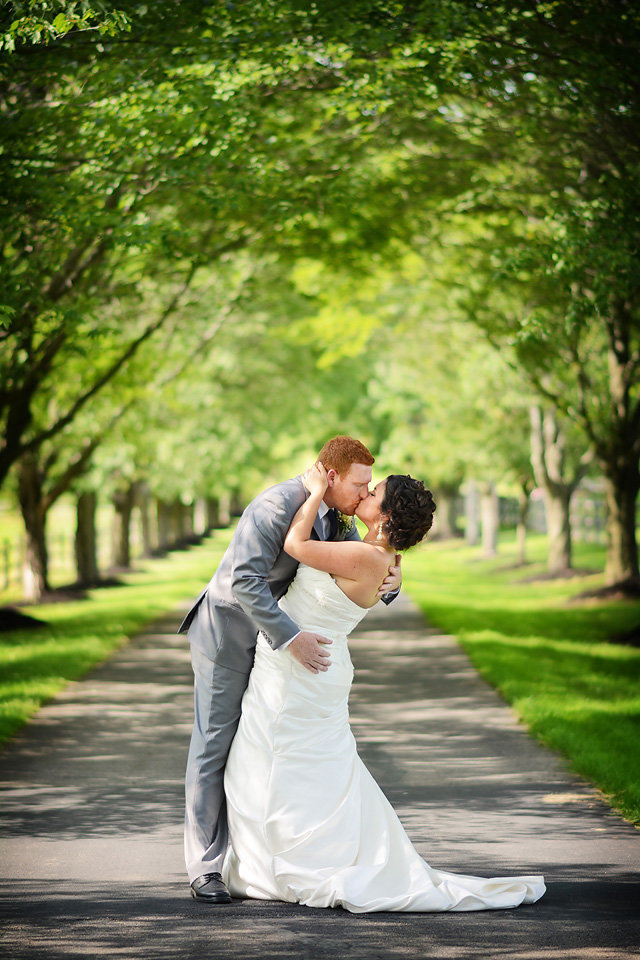 Wedding_photographer_north_georgia_kiss_picture_zolu