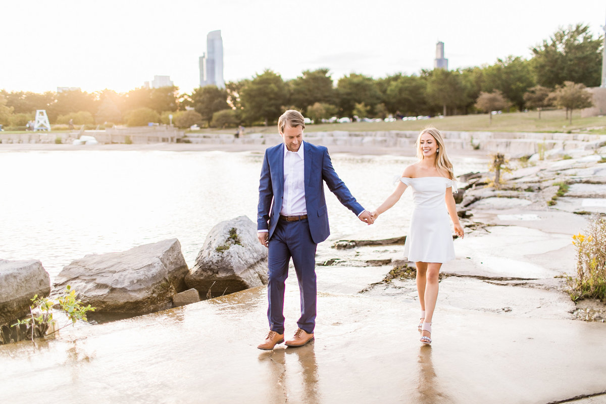 ChicagoEngagementSession_AdlerPlanatarium_WendyAlex_CatherineRhodesPhotography-35-Edit