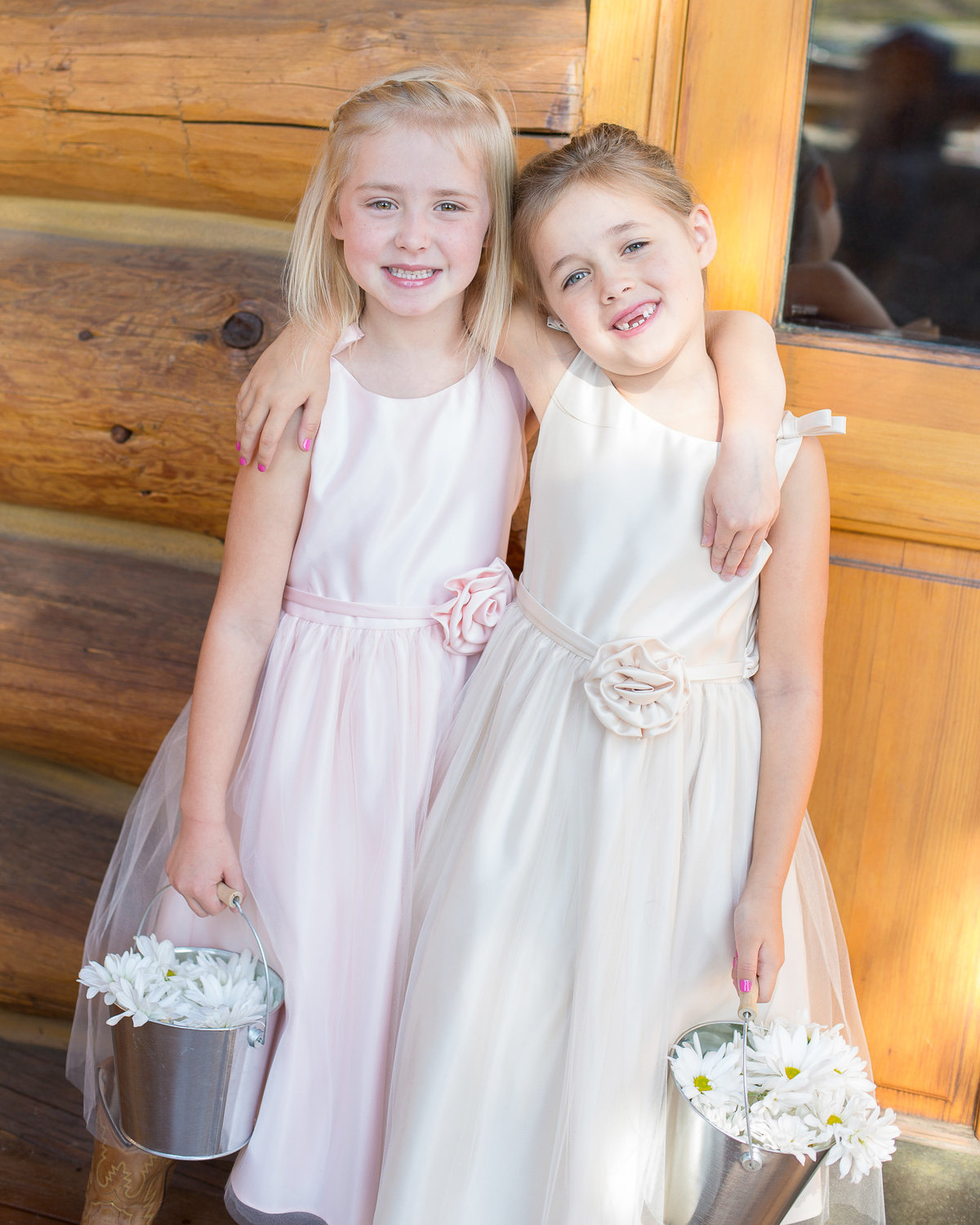 flower-girls-colorado-wedding