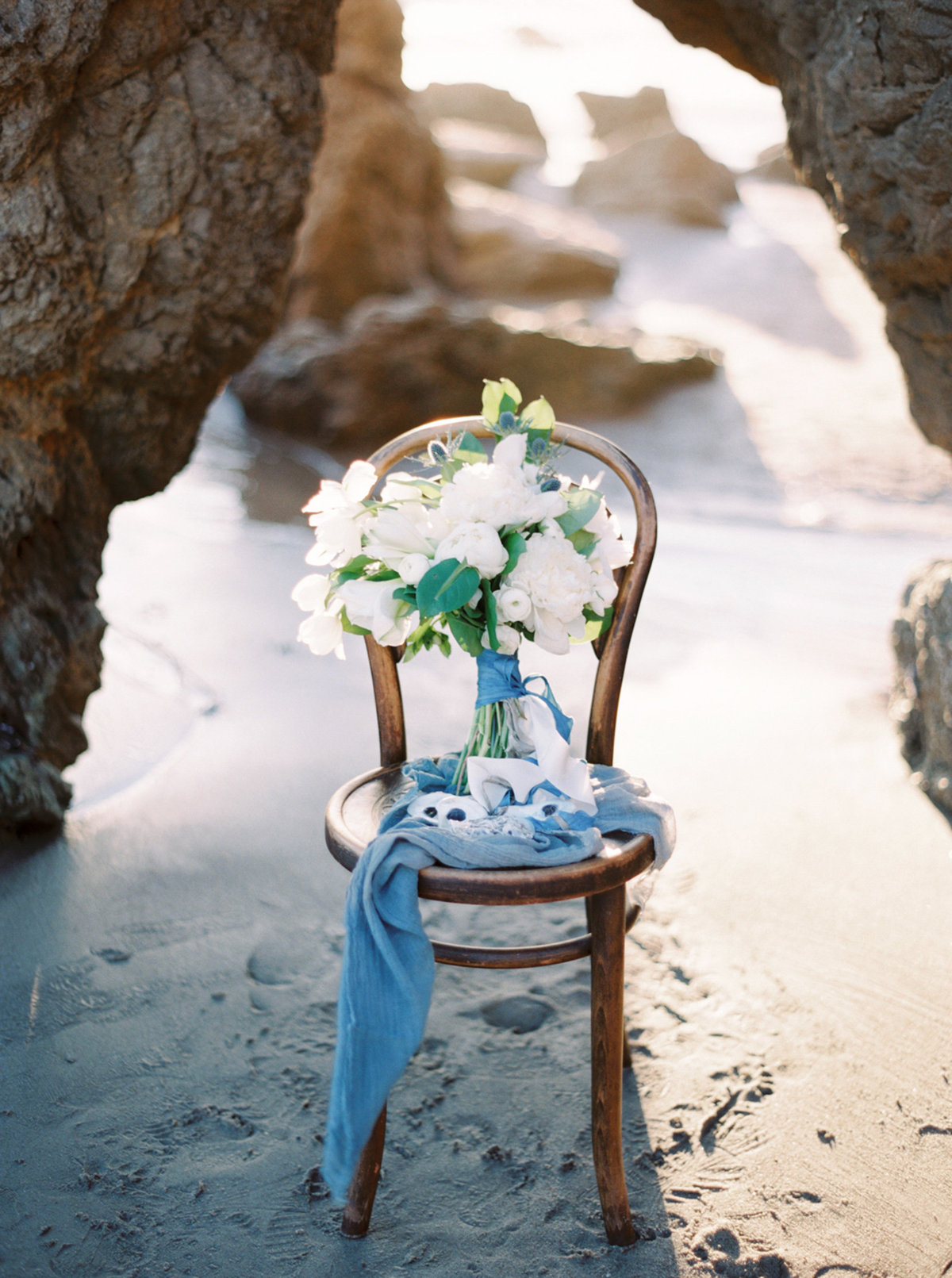 oceanside-elopement-destination-california-style-me-pretty-melanie-gabrielle-photography-28