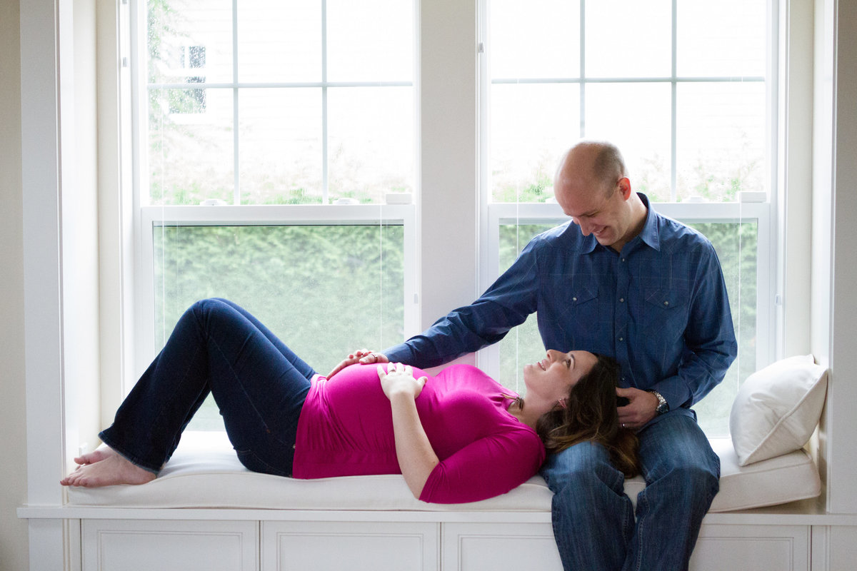 Bellevue-Maternity-Newborn-Photographer_19