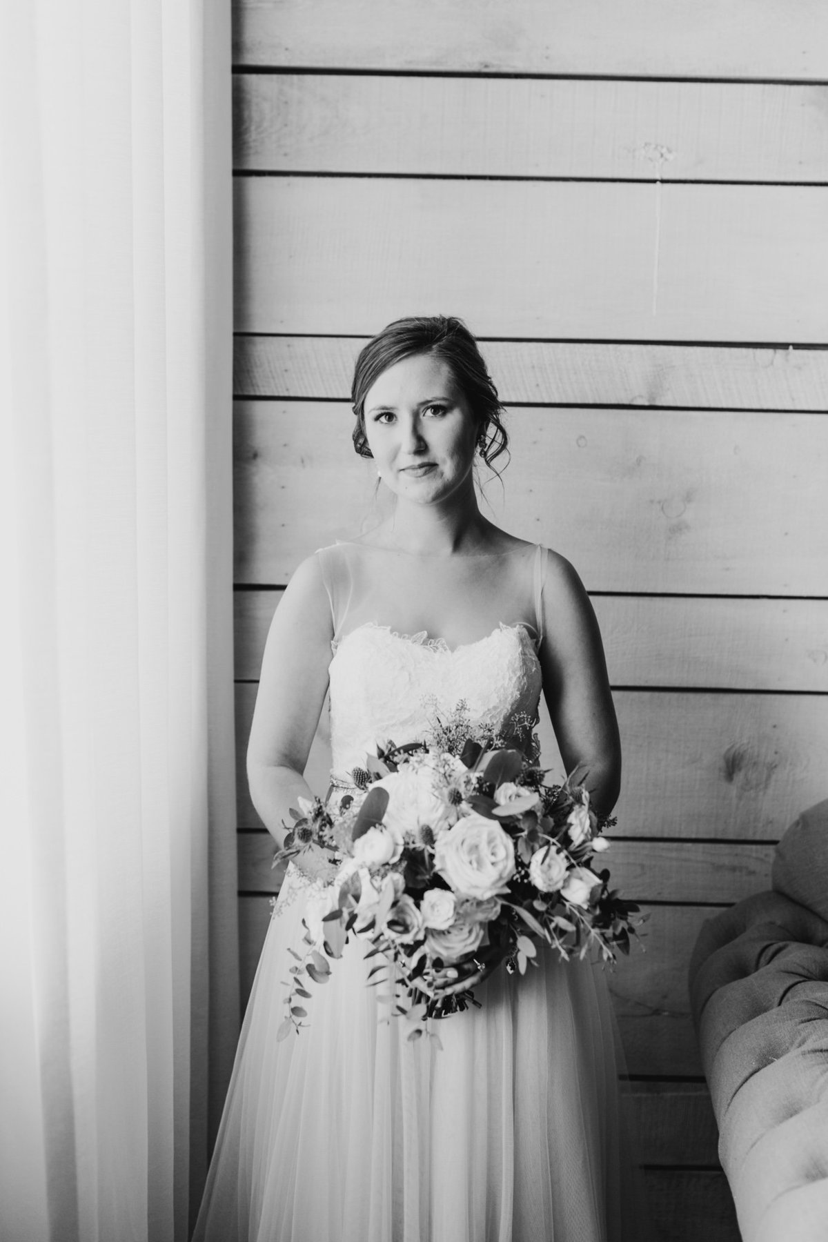 Alexa-Vossler-Photo_Dallas-Wedding-Photographer_North-Texas-Wedding-Photographer_Stephanie-Chase-Wedding-at-Morgan-Creek-Barn-Aubrey-Texas_71