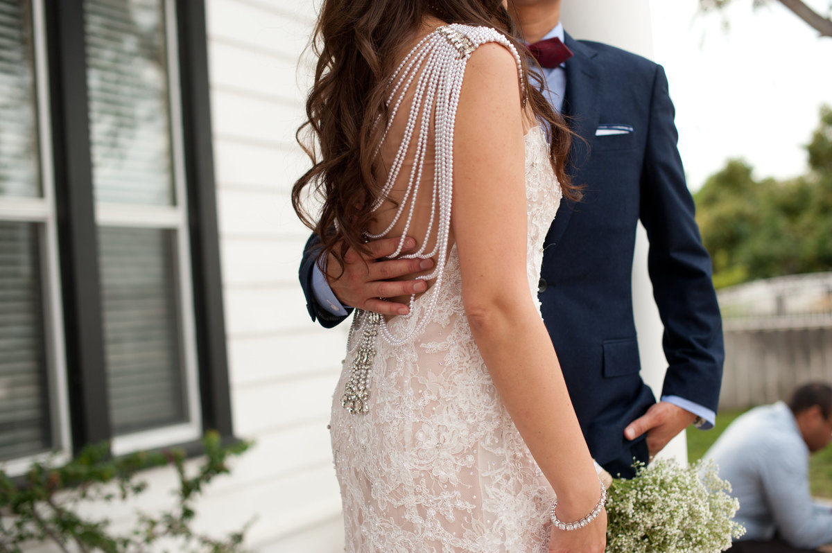 gatsby themed wedding details, gatsby themed bridal gown