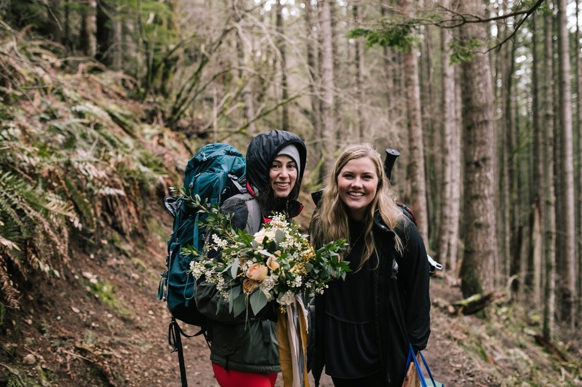 Rattlesnake Ledge Ridge PNW Elopement Planner Yellow Bridal Bouquet