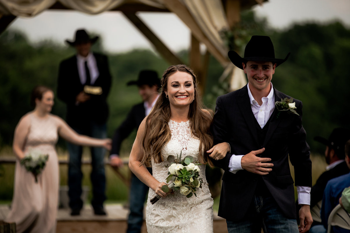 Nsshville Bride - Nashville Brides - The Hayloft Weddings - Tennessee Brides - Kentucky Brides - Southern Brides - Cowboys Wife - Cowboys Bride - Ranch Weddings - Cowboys and Belles112