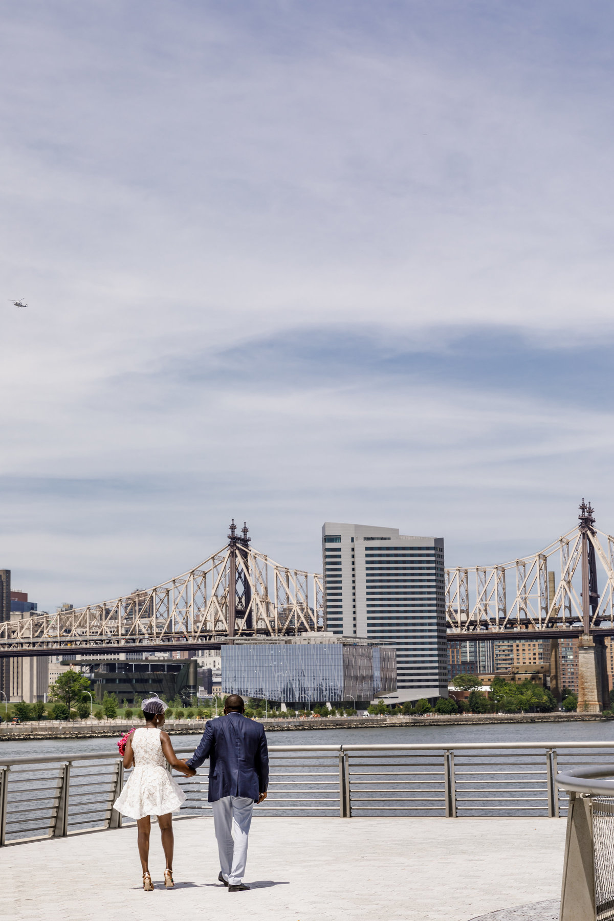 Gantry_Park_New_York_Elopement_Amy_Anaiz_019