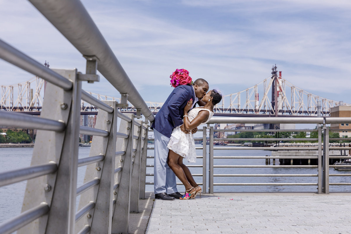 Gantry_Park_New_York_Elopement_Amy_Anaiz_026
