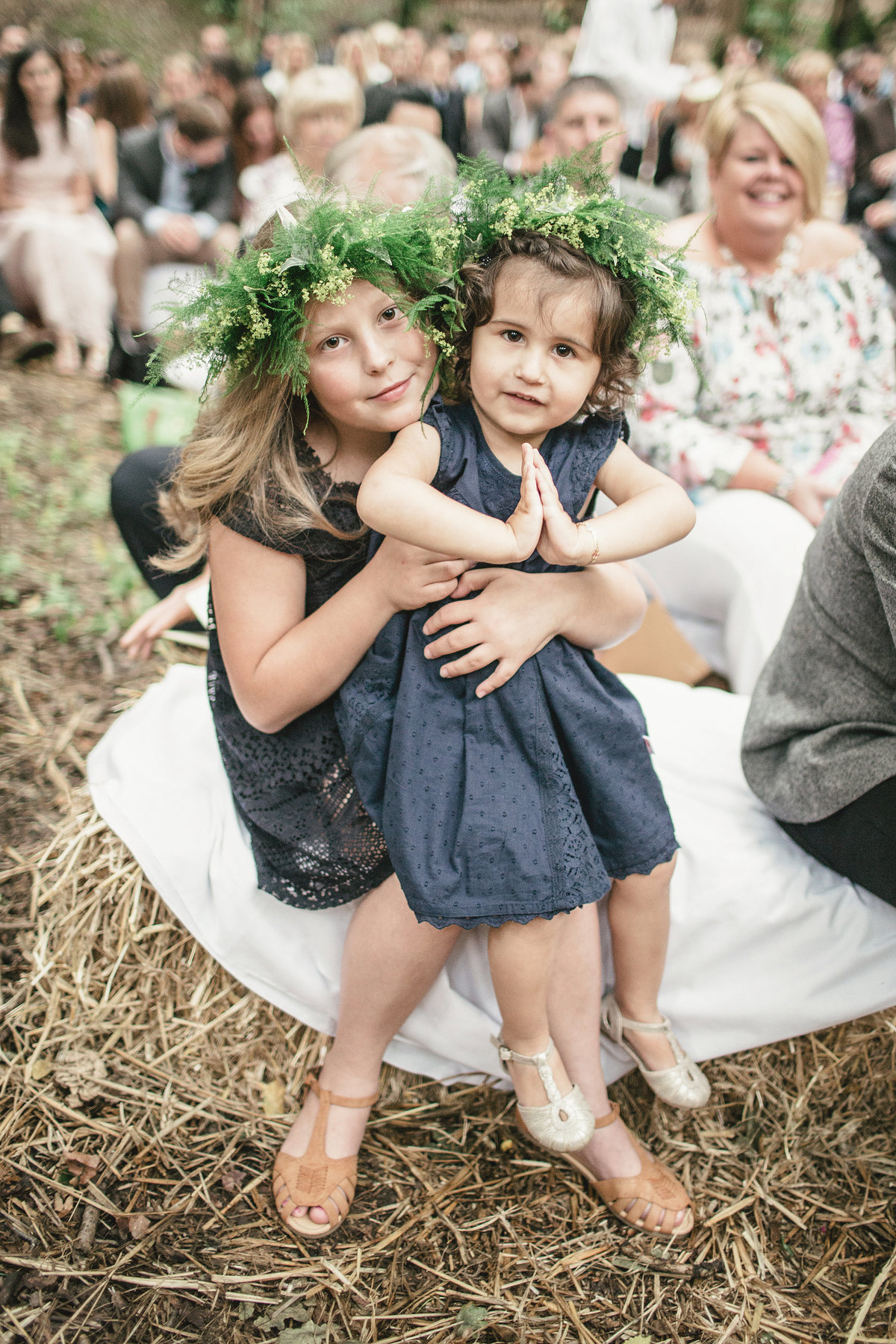 KIDS AT OUTDOOR WEDDING
