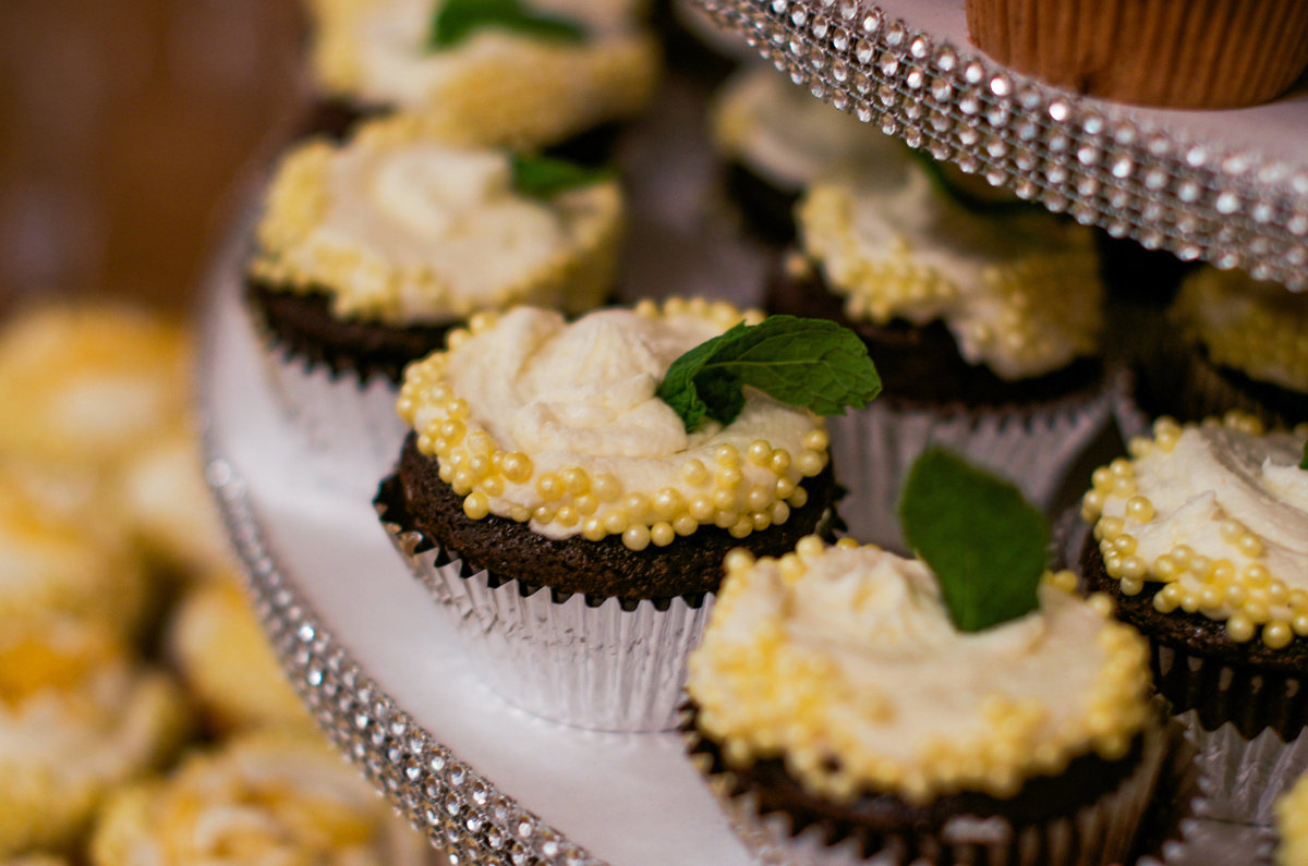 Portland OR downtown wedding reception cupcakes
