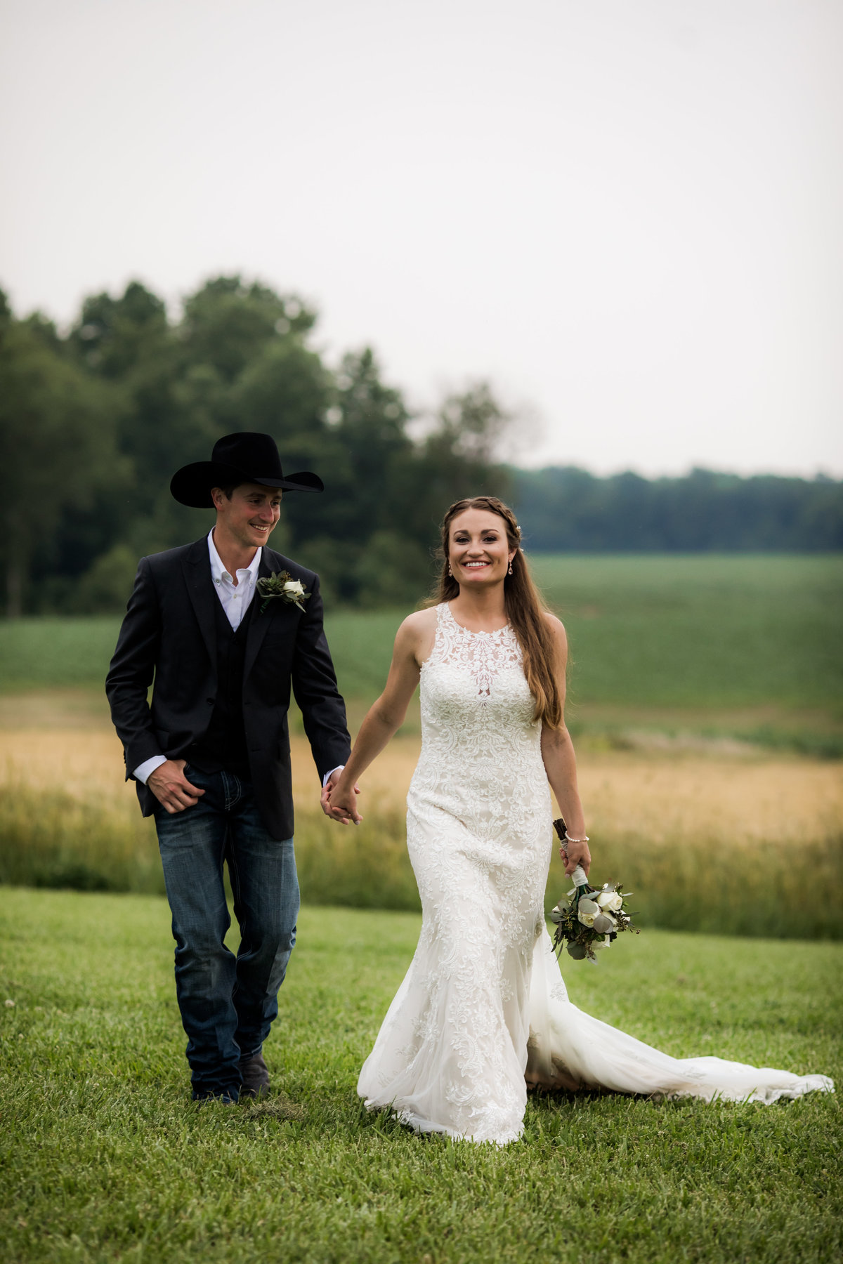 Nsshville Bride - Nashville Brides - The Hayloft Weddings - Tennessee Brides - Kentucky Brides - Southern Brides - Cowboys Wife - Cowboys Bride - Ranch Weddings - Cowboys and Belles068