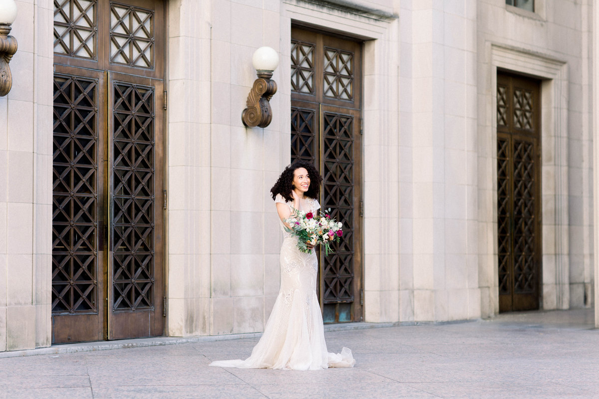 Raela is a wedding planner in Nashville, Tennessee with a heart for fine art weddings.