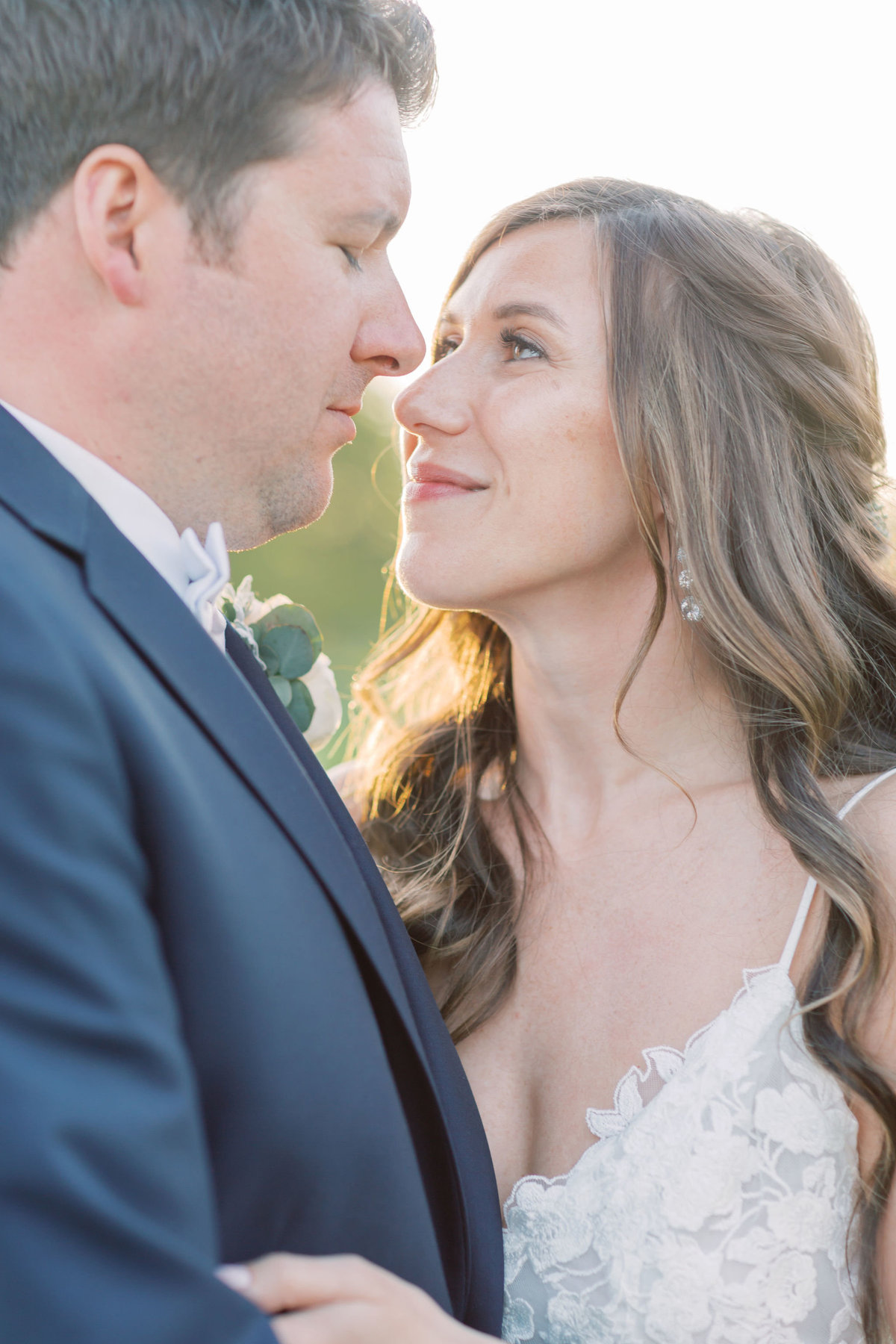 TiffaneyChildsPhotography-ChicagoWeddingPhotographer-Chloe+Jon-HinsdaleCountryClubWedding-BridalPortraits-65