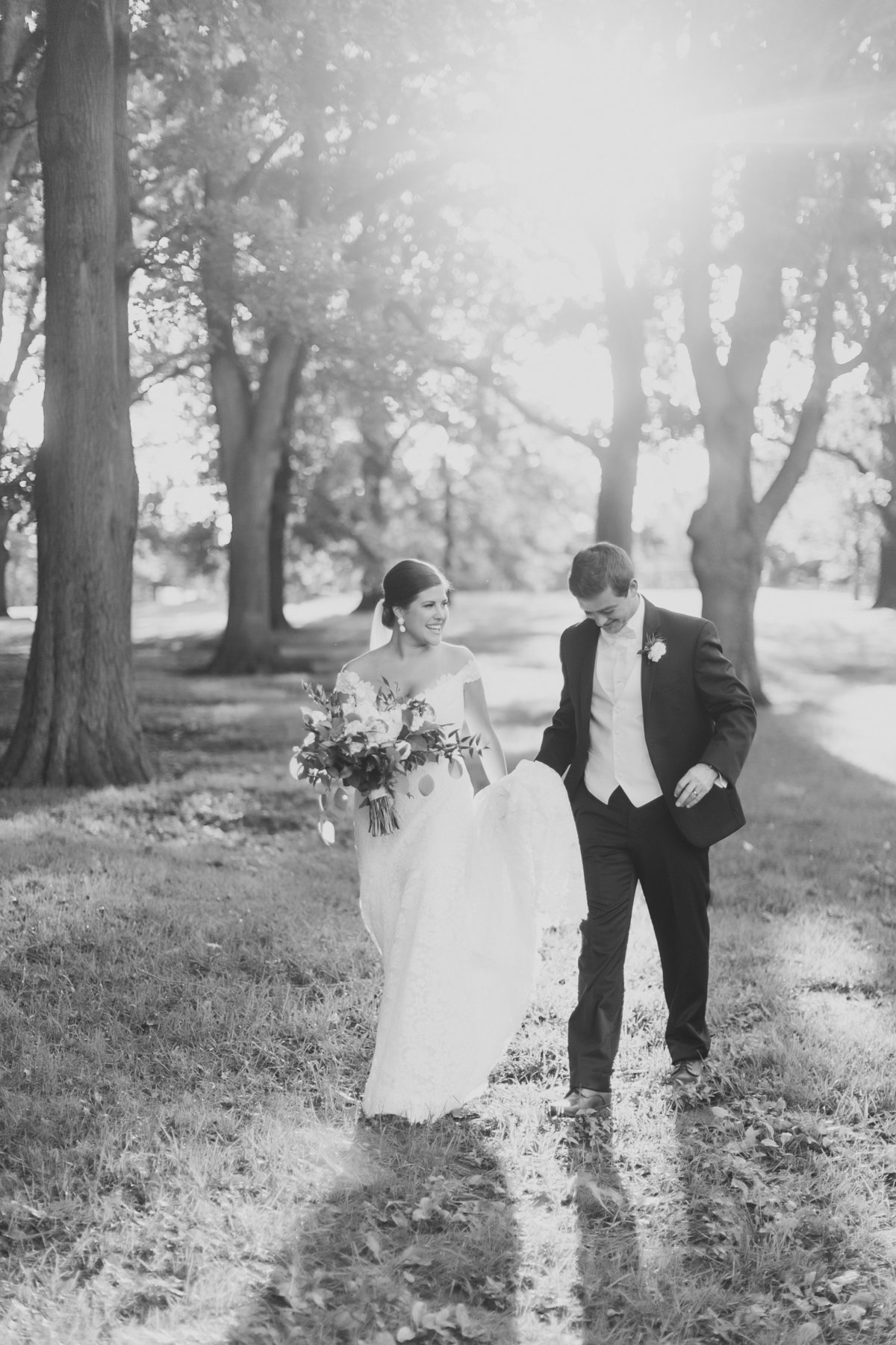 TheGalleryEventSpaceWedding_KansascityWedding_TaylorJared_CatherineRhodesPhotography-4068-2-Edit