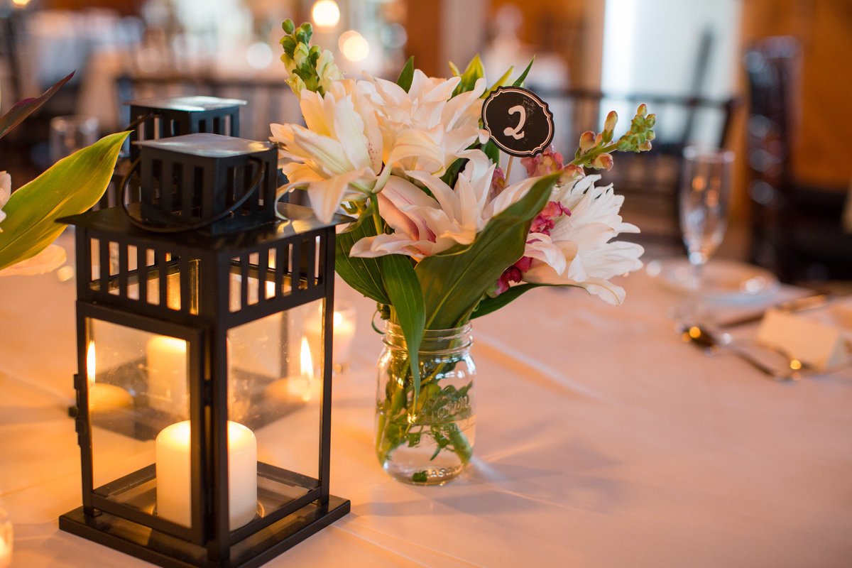 lantern and lilies table decorations
