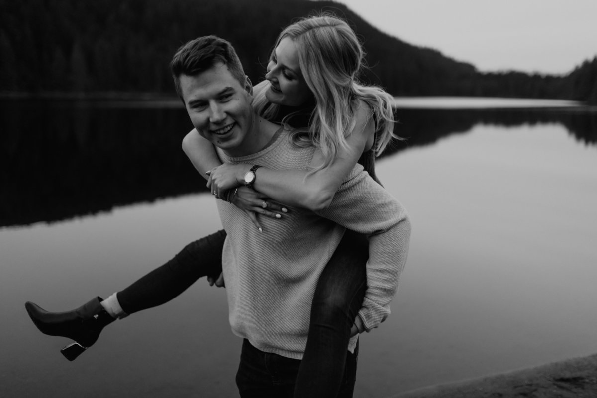ROLLEY-LAKE-ENGAGEMENT-MEGHAN-HEMSTRA-PHOTOGRAPHY-9