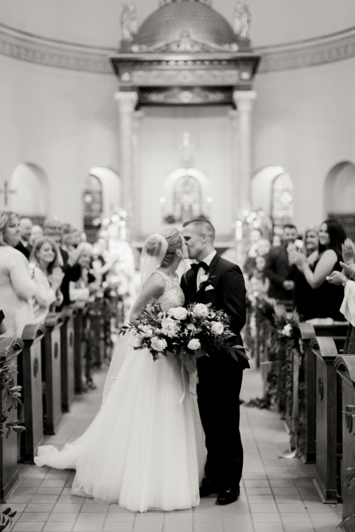 TiffaneyChildsPhotography-ChicagoWeddingPhotographer-Caitlin+Devin-MedinahCountryClubWedding-Ceremony-261