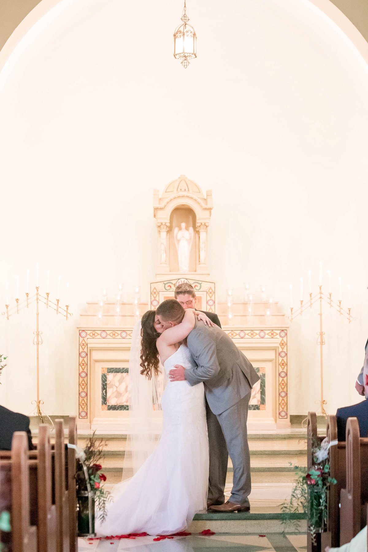Burgundy Nazareth Hall Fall Wedding by Toledo and Detroit Based Wedding Photographers Kent & Stephanie Photography_0765