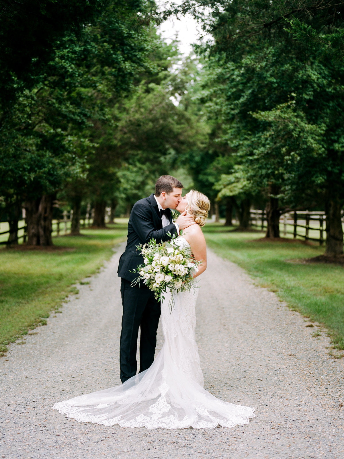 MeganMichael_BrideGroom_AmyNicolePhotography114