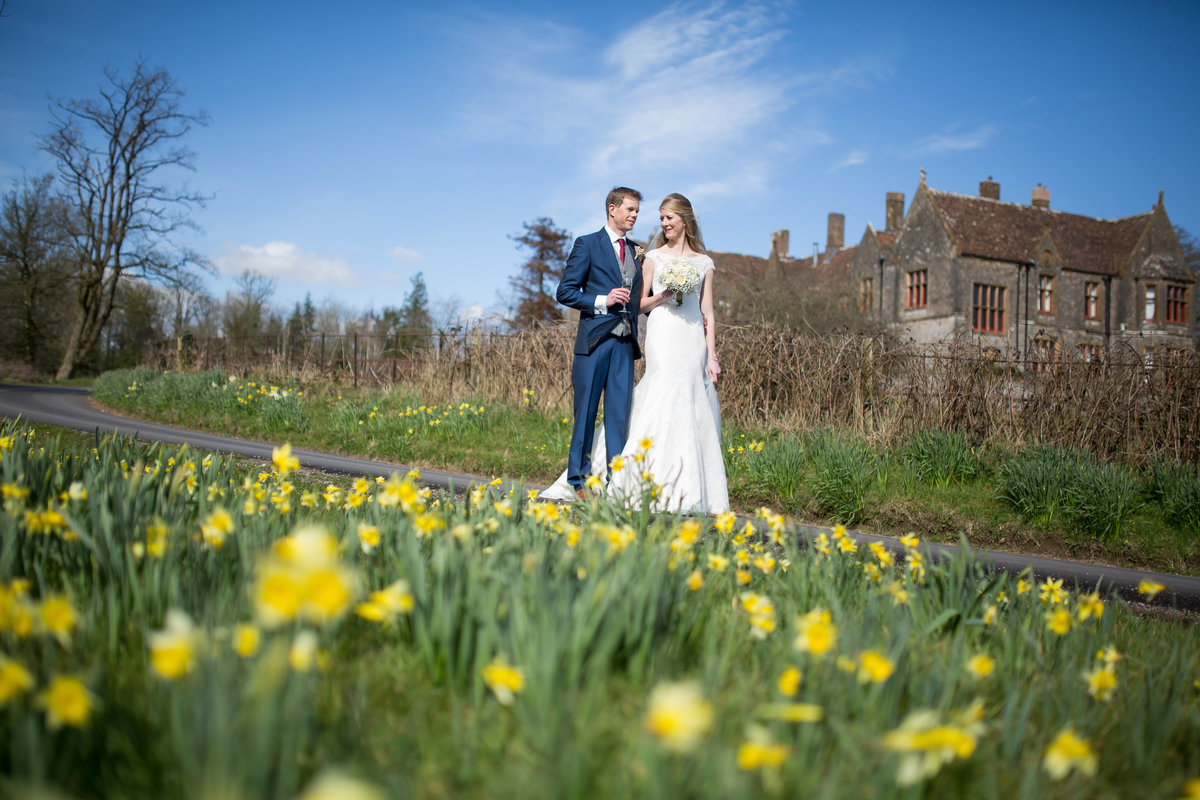 spring wedddin in devon at country house