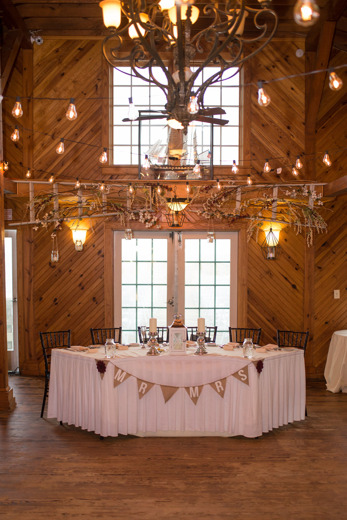 rustic wedding at kitty hawk pier
