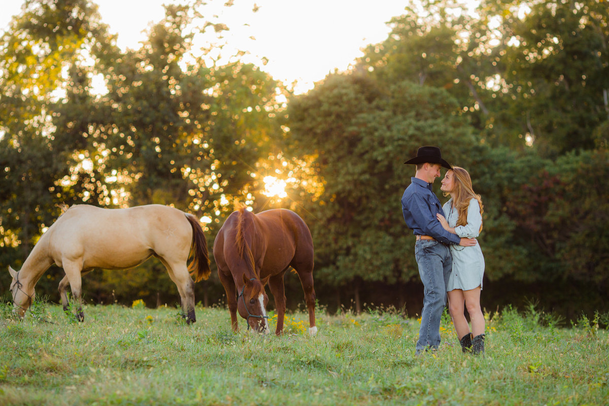 Nsshville Bride - Nashville Brides - The Hayloft Weddings - Tennessee Brides - Kentucky Brides - Southern Brides - Cowboys Wife - Cowboys Bride - Ranch Weddings - Cowboys and Belles133