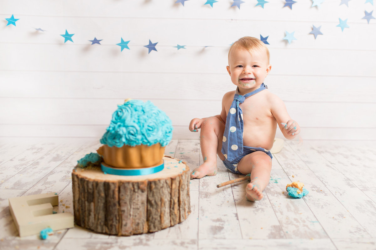 FERNDOWN BOURNEMOUTH CAKE SMASH PHOTOGRAPHY STUDIO 00025 (25)